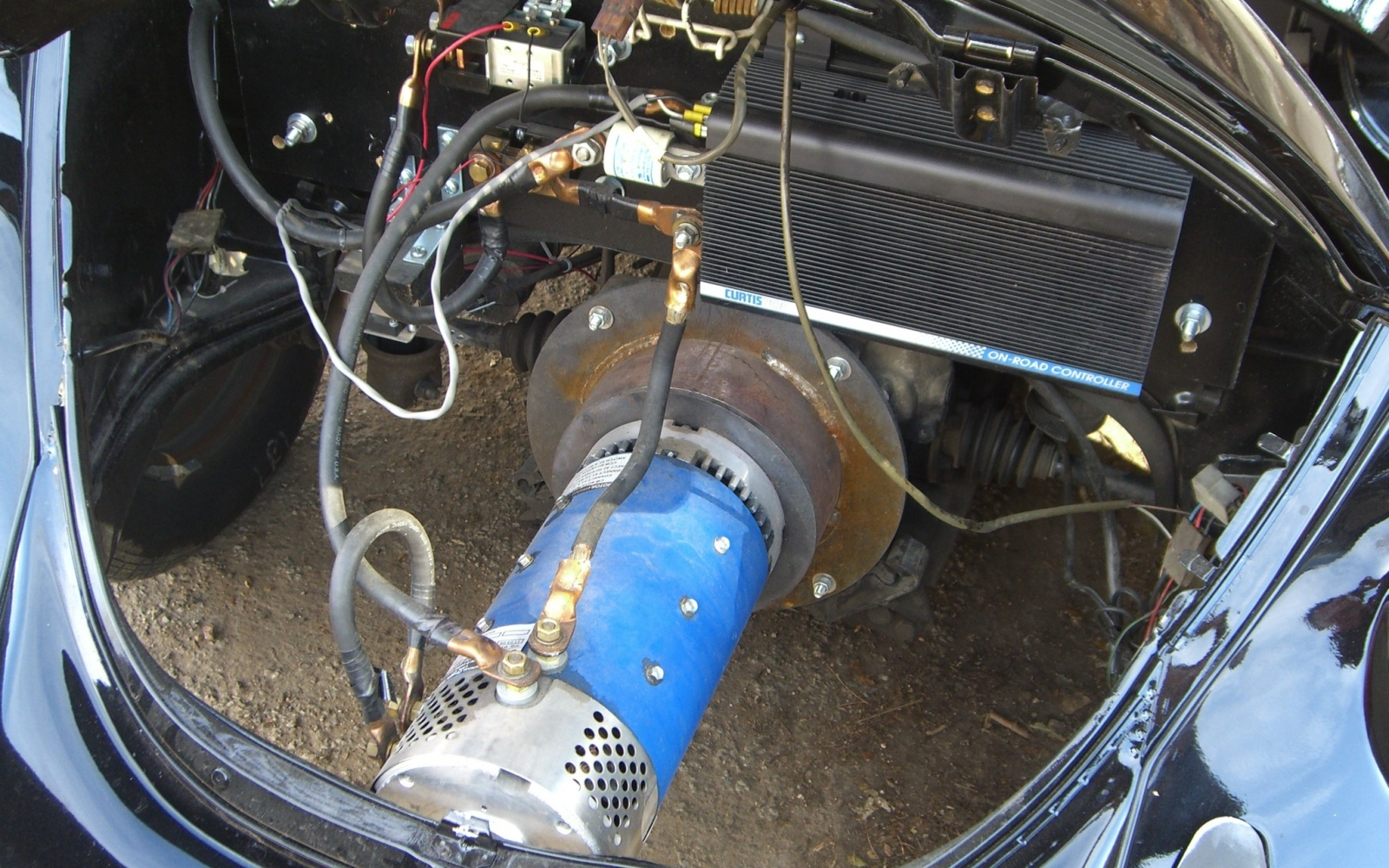 The Wilderness Electric Vehicles Kit #3 installed in a seventies Volkswagen Beetle. (Picture courtesy barnfinds.com).