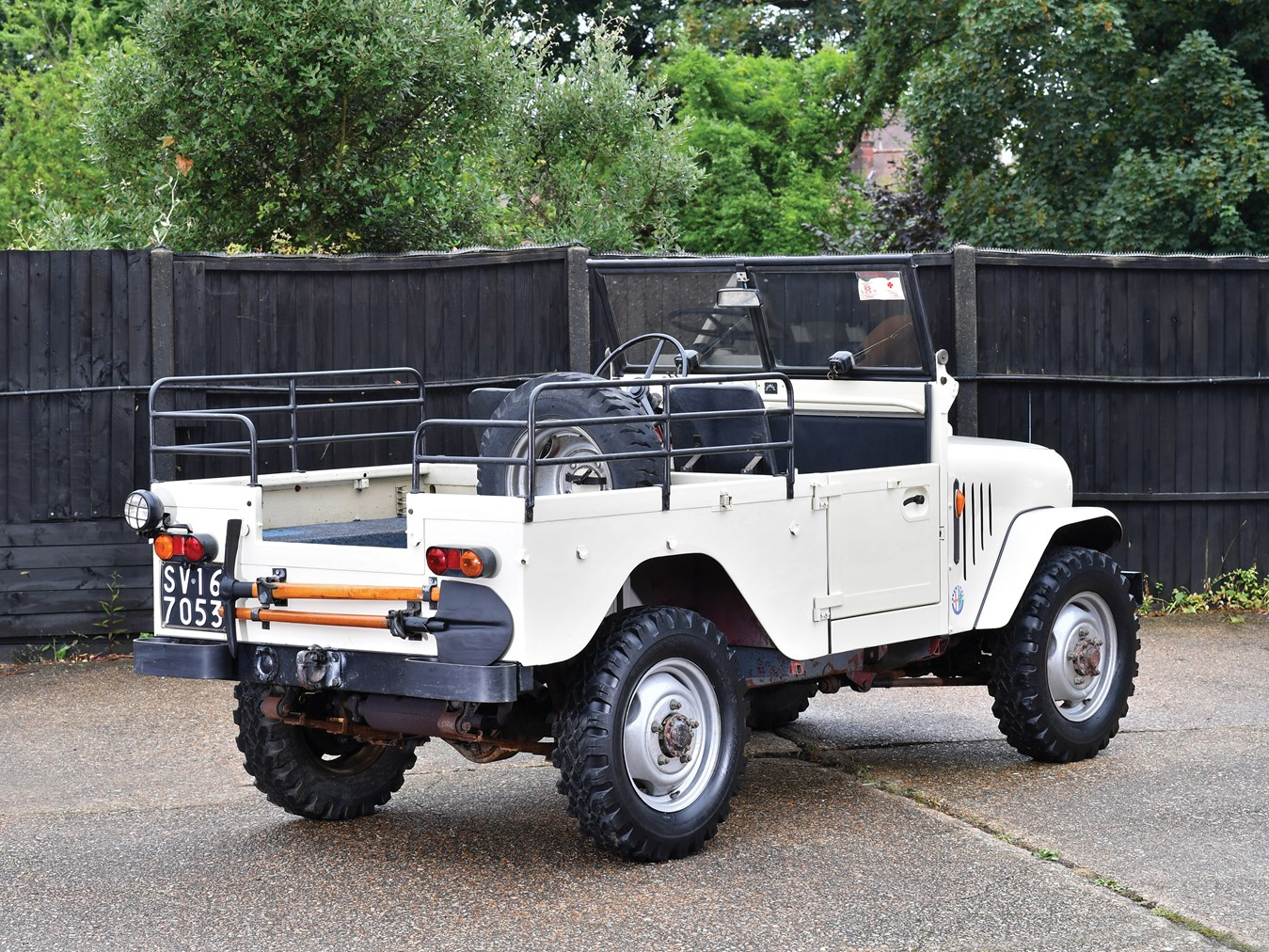 The Alfa Romeo 1900M 4WD may bear some similarities to the American Jeep and the British Land Rover but it is an original design nonetheless.