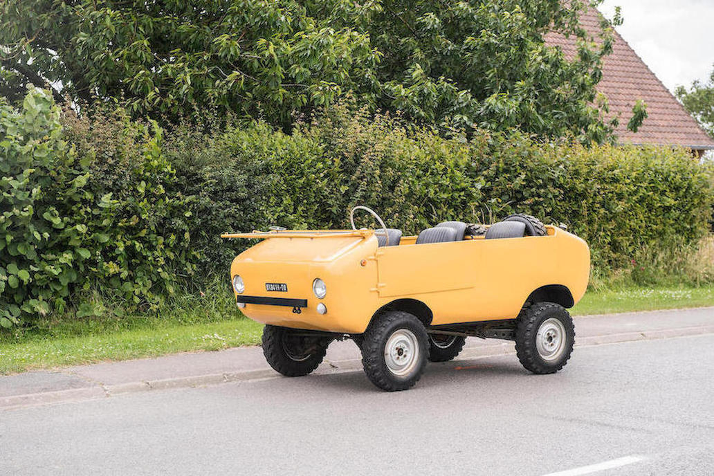 The Ferves Ranger is based on the Fiat 500 engine and Fiat 600 running gear so it is about the same size as those cars - i.e. small.
