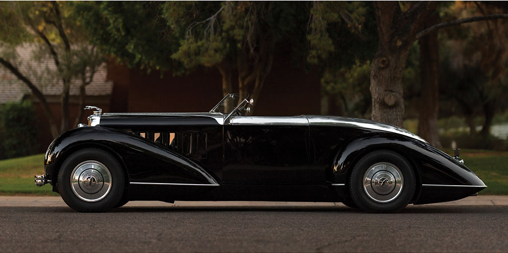 Designed by retired Vice President of Design at General Motors David Holls this 1932 Lincoln KA has been re-built as a classic Parisian boat-tail speedster.