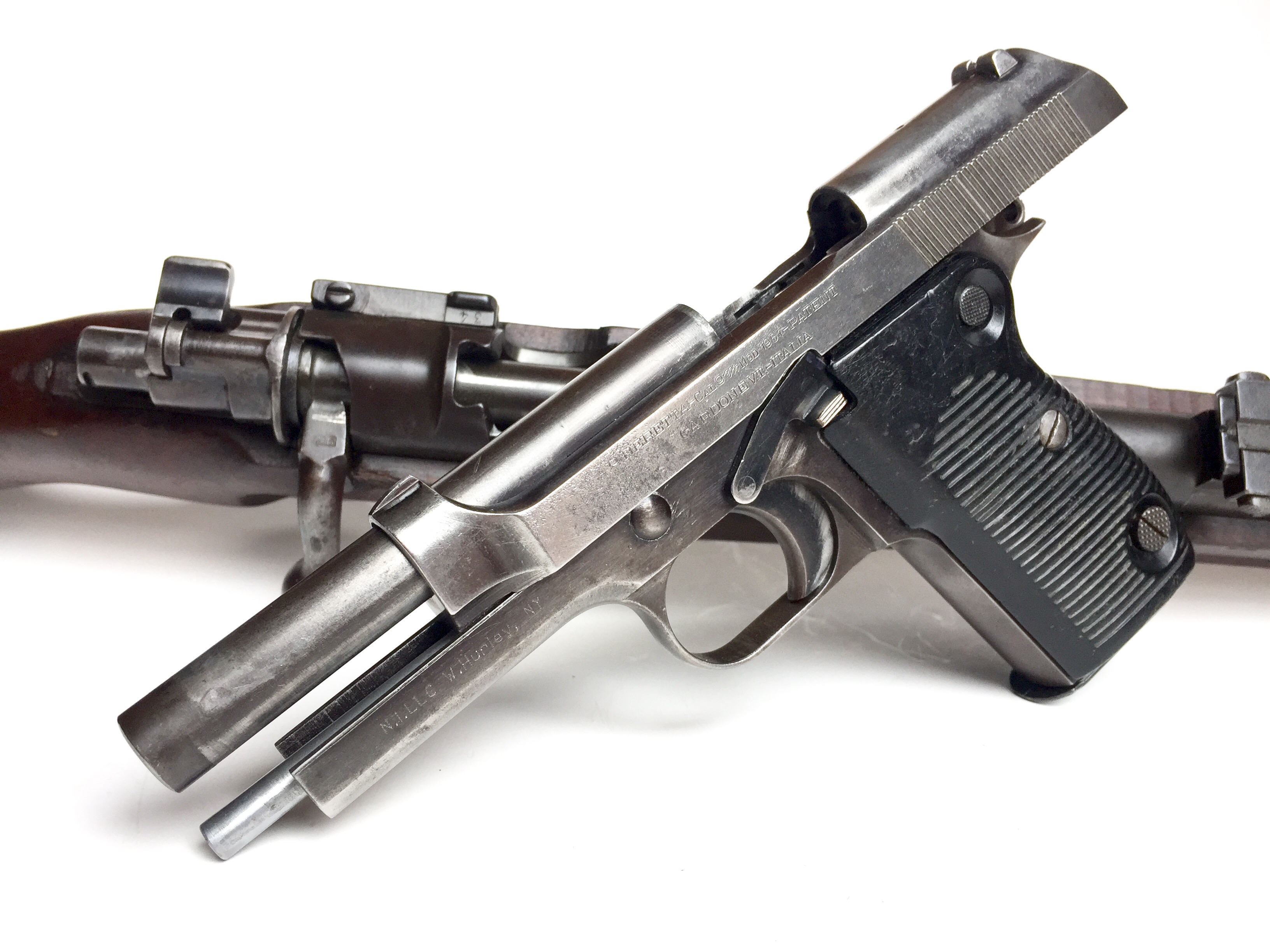 With the slide locked back the characteristic angle of the John M. Browning can be seen, This particular pistol is an Israeli model of the M1951. (Picture courtesy myvimu.com).
