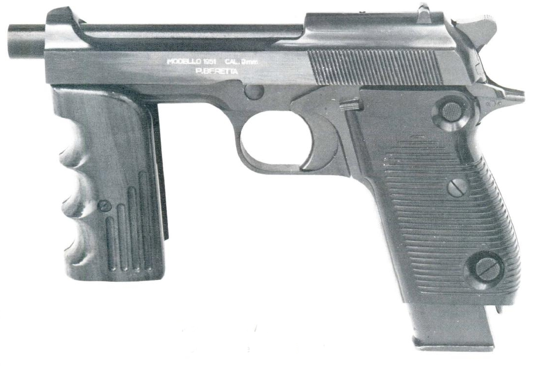 The Beretta M951R was capable of fully automatic fire but was completely impracticable. (Picture courtesy exordinanza.net).