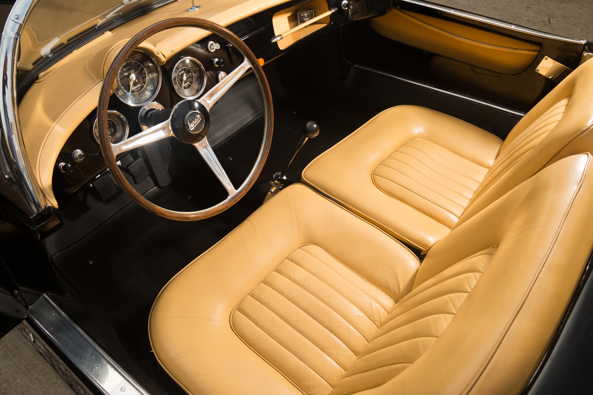 The Lancia Aurelia was created to be a driver's car in every sense of the word whether the four door Berlina or the more sports oriented coupé.