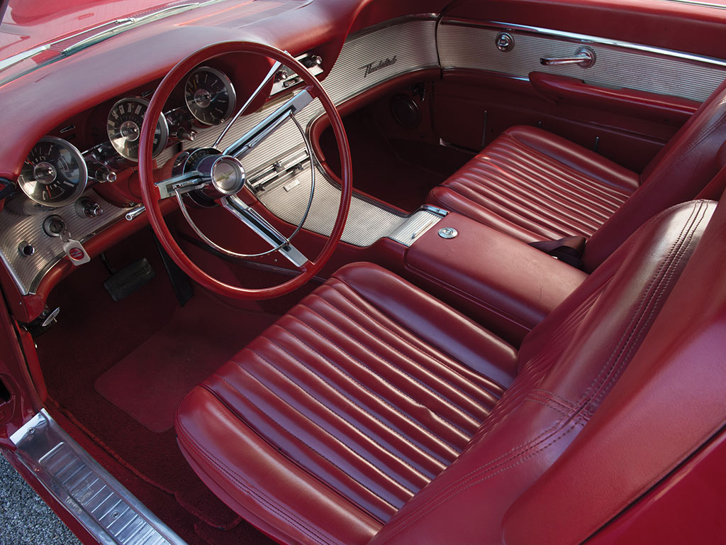 The interior of the Ford Thunderbird of 1961-1963 is all American in style.