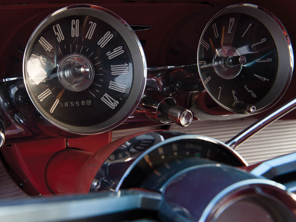 The Thunderbird would manage to use up most of its 120mph speedometer range.