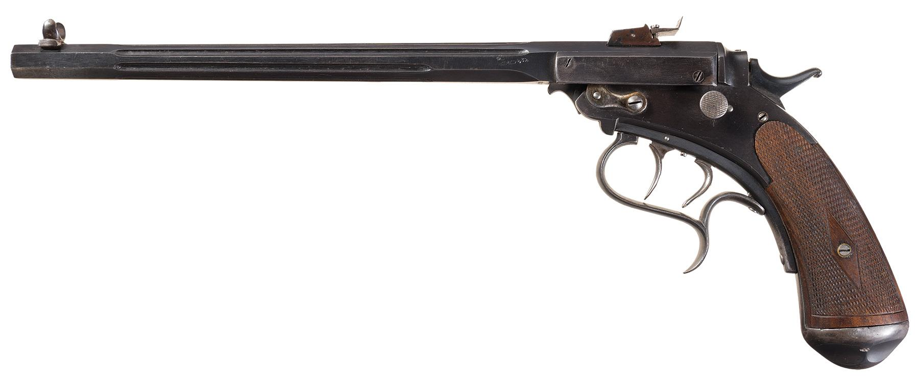 The Scharfenberg has a quite upright grip similar to what we would expect to find on a revolver.