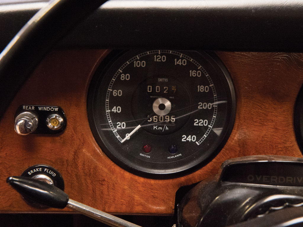 The 420G was a car that would use up a generous proportion of its available speedometer range.