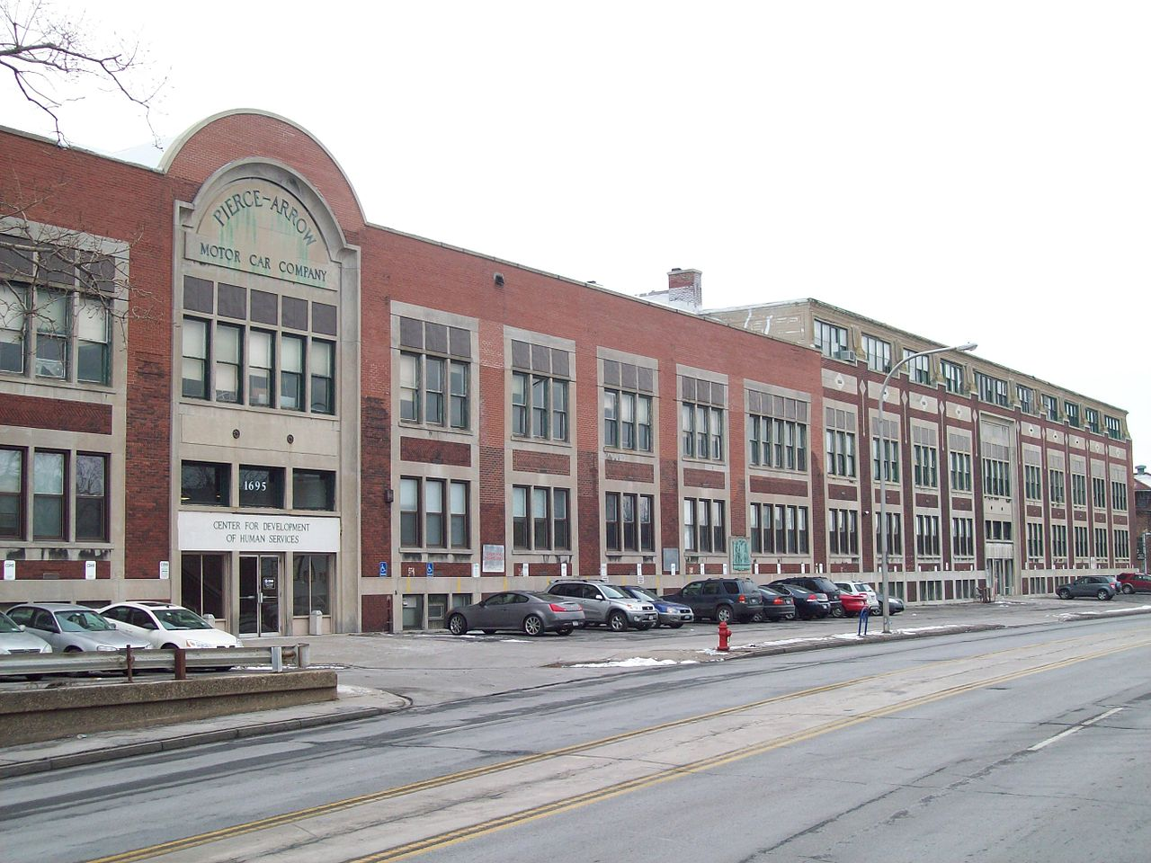 The Pierce-Arrow factory has been preserved as a historic building and can be visited to the present day. (Picture courtesy Wikipedia).