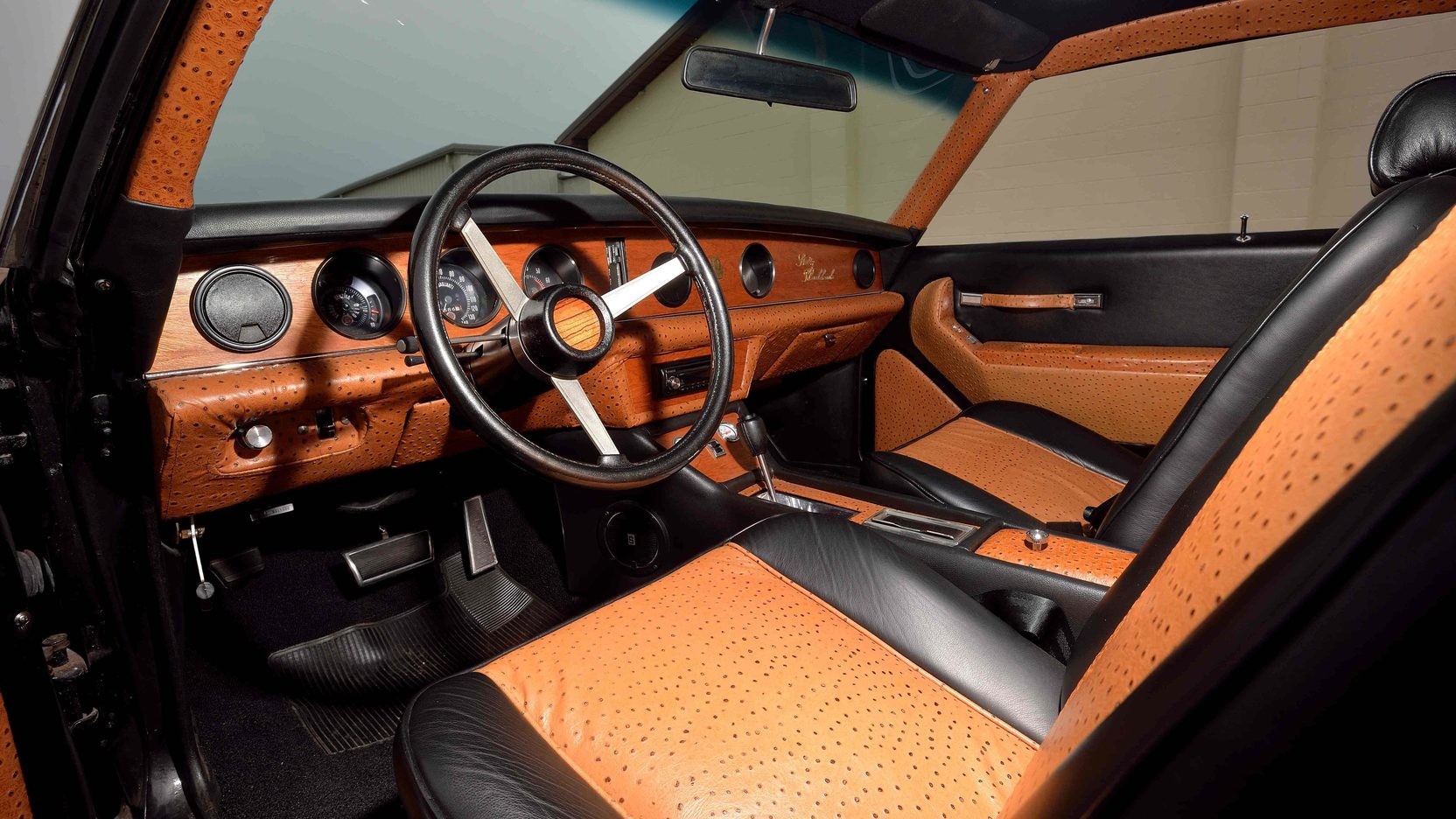 Leather seats are by Connelly, some of the interior metal trim was 24 carat gold. Carpets could be wool or mink. Dashboard wood could be bird's eye maple, burled walnut or redwood.