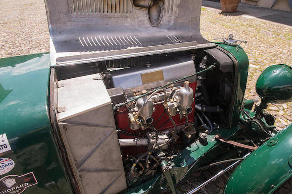 Although Count Zborowski's first racing car had a 23 liter engine the Aston Martin had a rather smaller 1½ liter in-line SOHC four cylinder producing 85bhp.