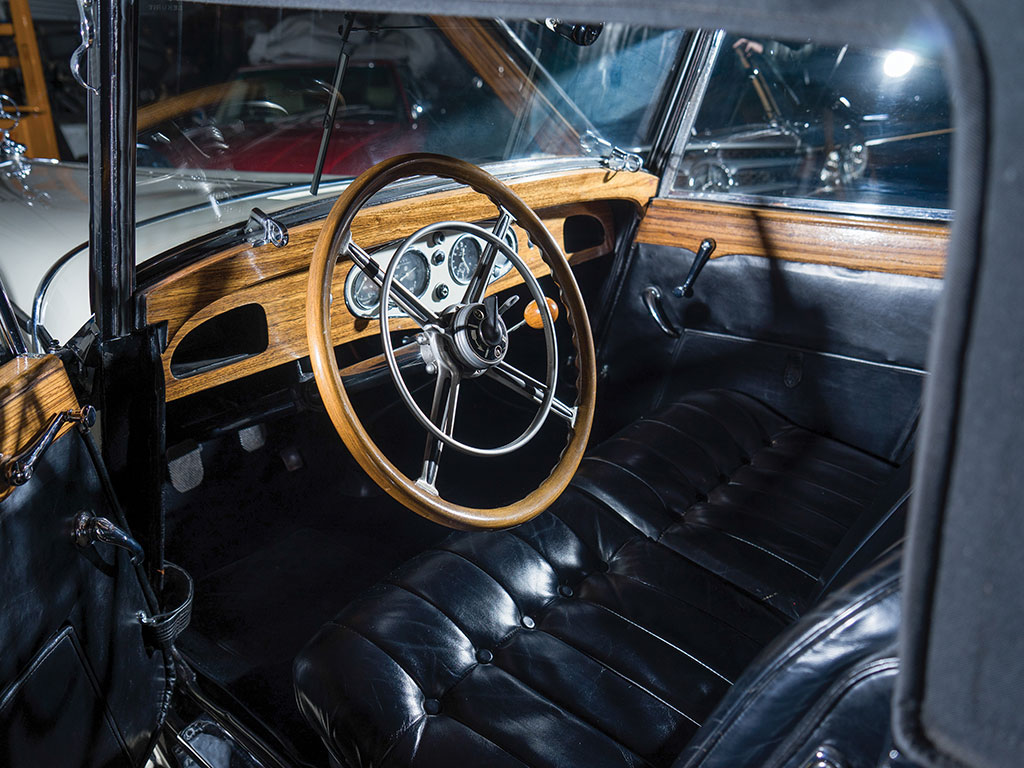 The interior of the 370 S is ruggedly handsome in the Mercedes-Benz style rich in its use of wood and leather.