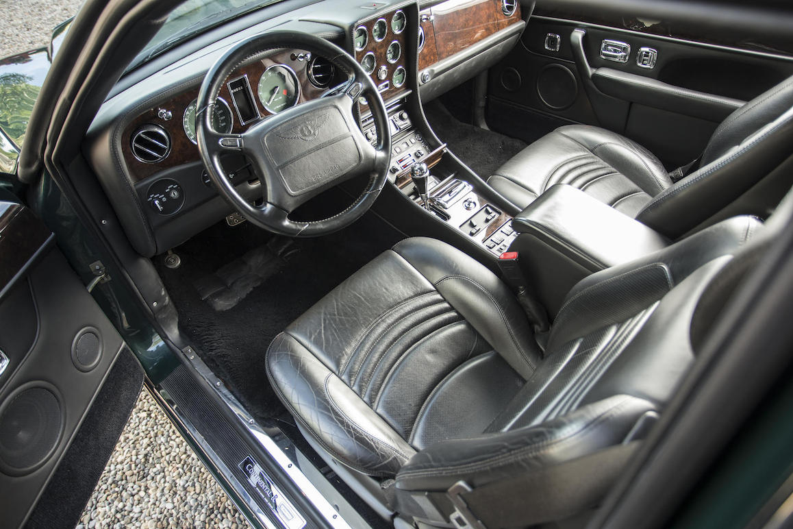 The interior of the Bentley Continental R Le Mans is darkly understated. It is an interior that Commander James Bond would feel entirely at home in.
