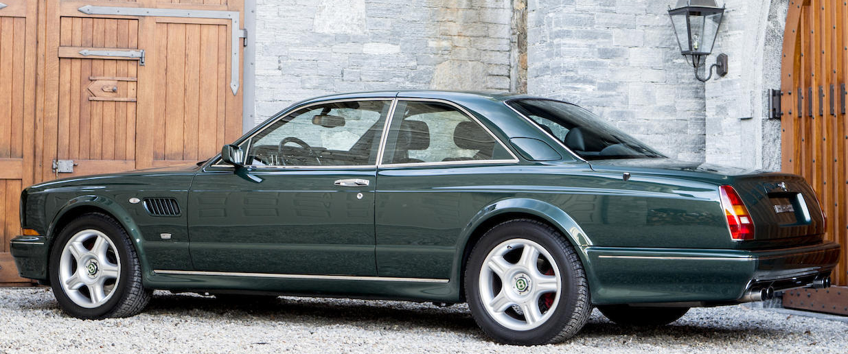 The Bentley Continental R looks nothing like the dignified but staid SZ Rolls-Royce Silver Spirit.