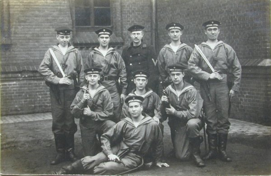 German Navy Cadet graduating class of the era before World War I. The graduates all have Luger P04 pistols in the standard Navy holster and are also equipped with short swords. (Picture courtesy landofborchardt.com).
