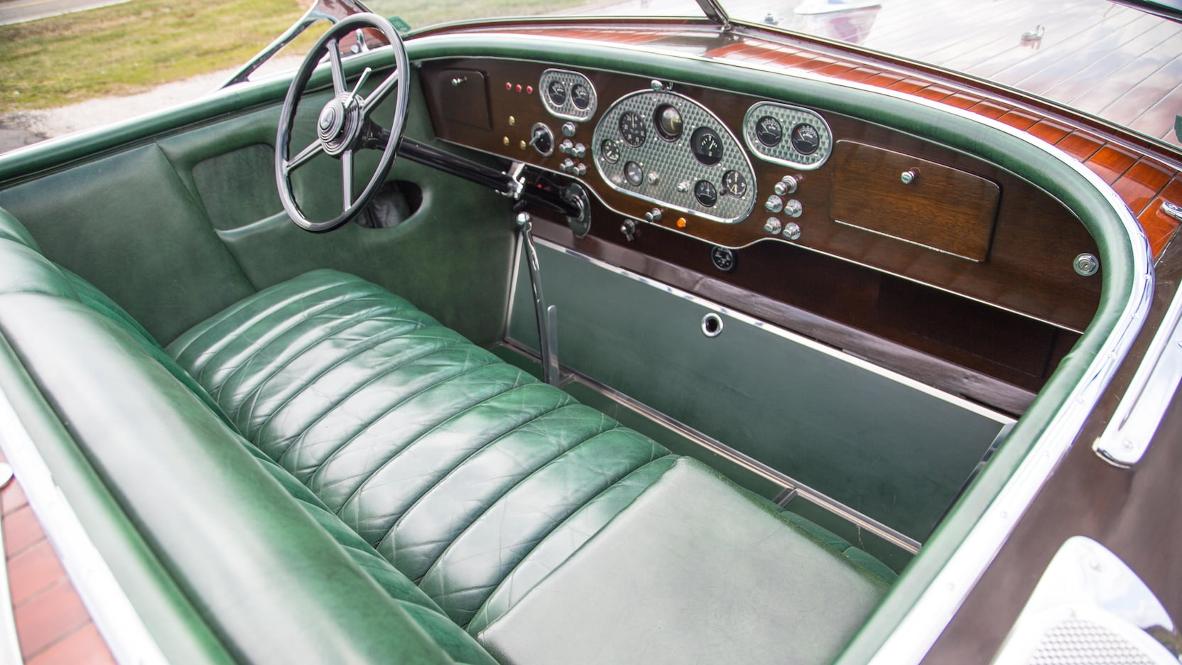 Greavette 33' Custom Triple Cockpit 'Maltese Falcon'