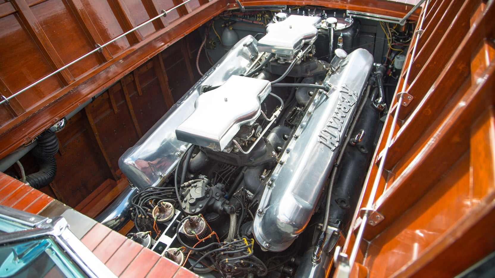 Kermath Sea Raider engine The 1,560 cubic inch V12 48 valves 24 spark plugs twin four barrel carburettors