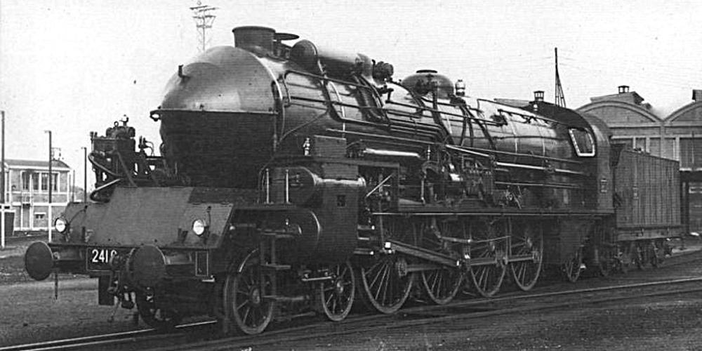 PLM 241C steam locomotive