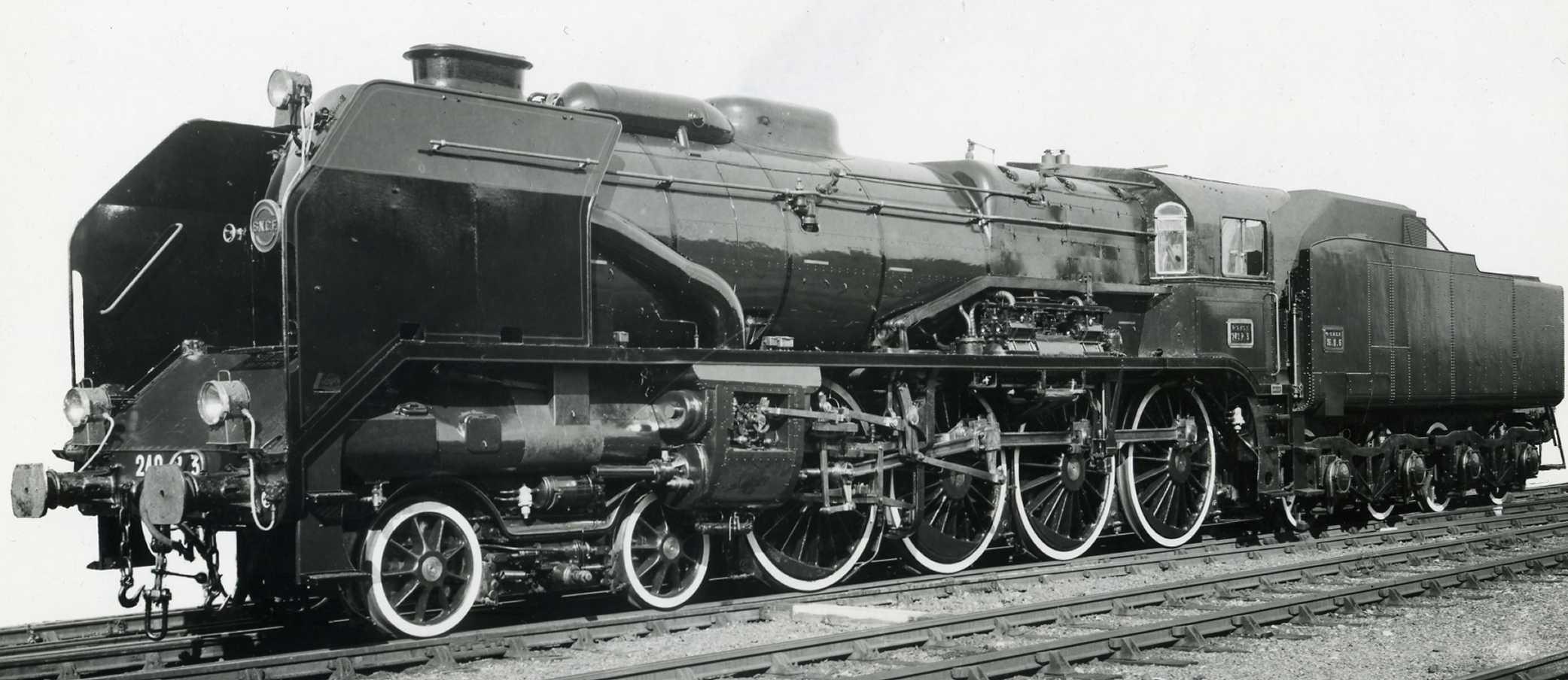 André Chapelon 240P steam locomotive