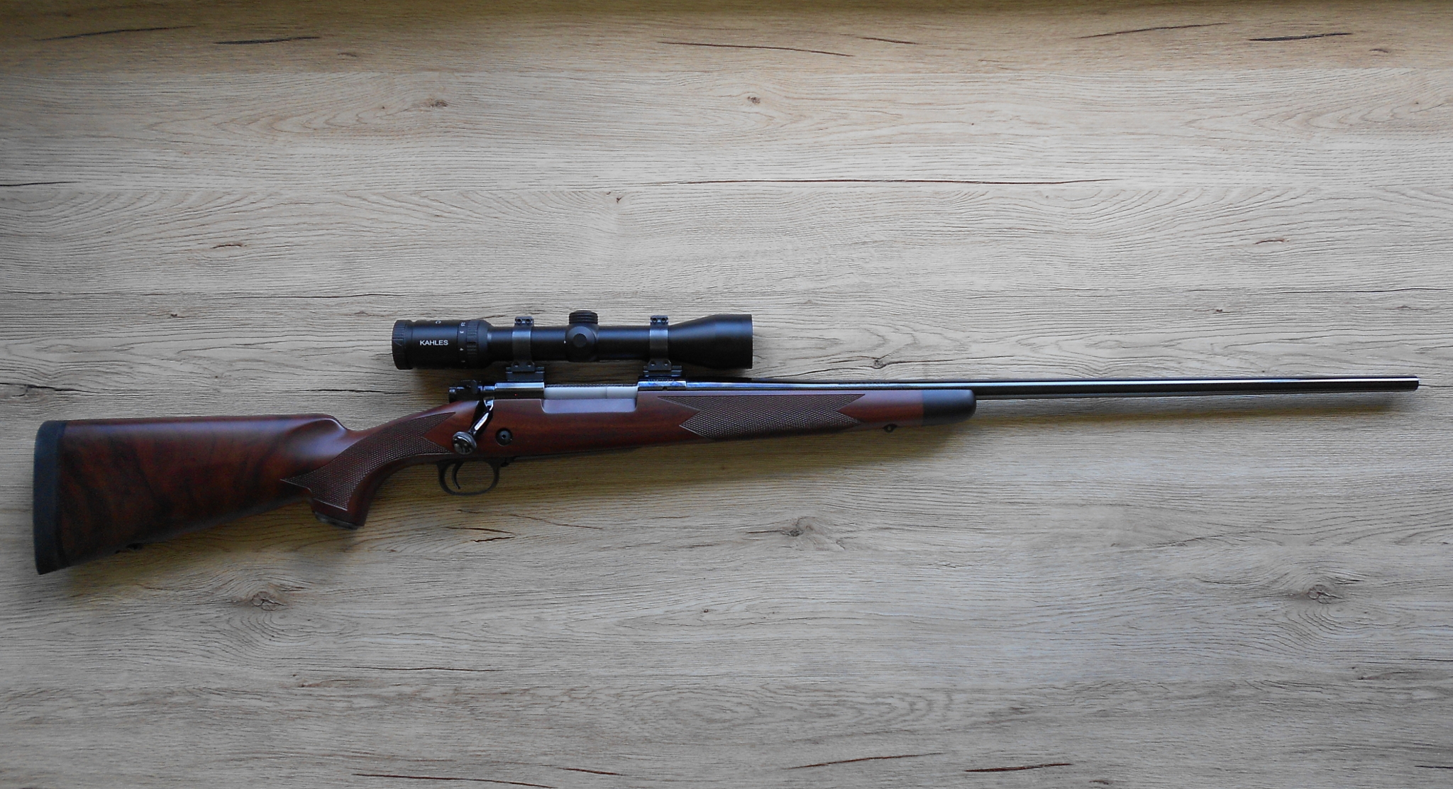 Winchester Model 70 Super Grade rifle 2016