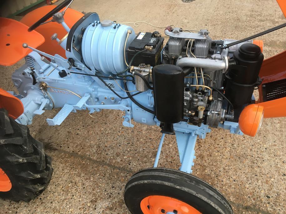 Lamborghini 1R farm tractor engine