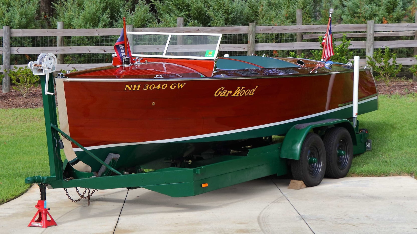 Gar Wood 22' Triple Cockpit runabout