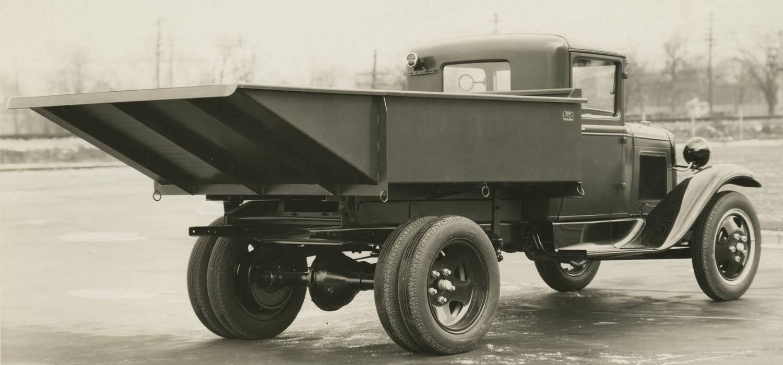 Wood Hydraulic tip truck AA Ford