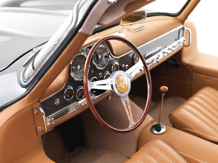 Mercedes-Benz 300SL gullwing steering wheel normal position