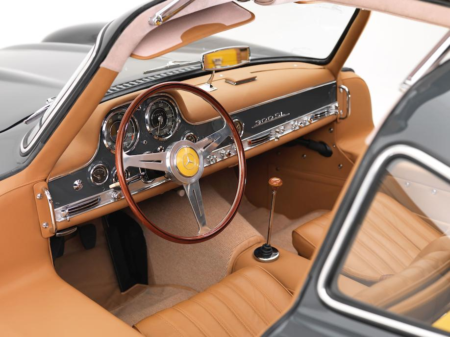 Mercedes-Benz 300SL coupé interior cockpit