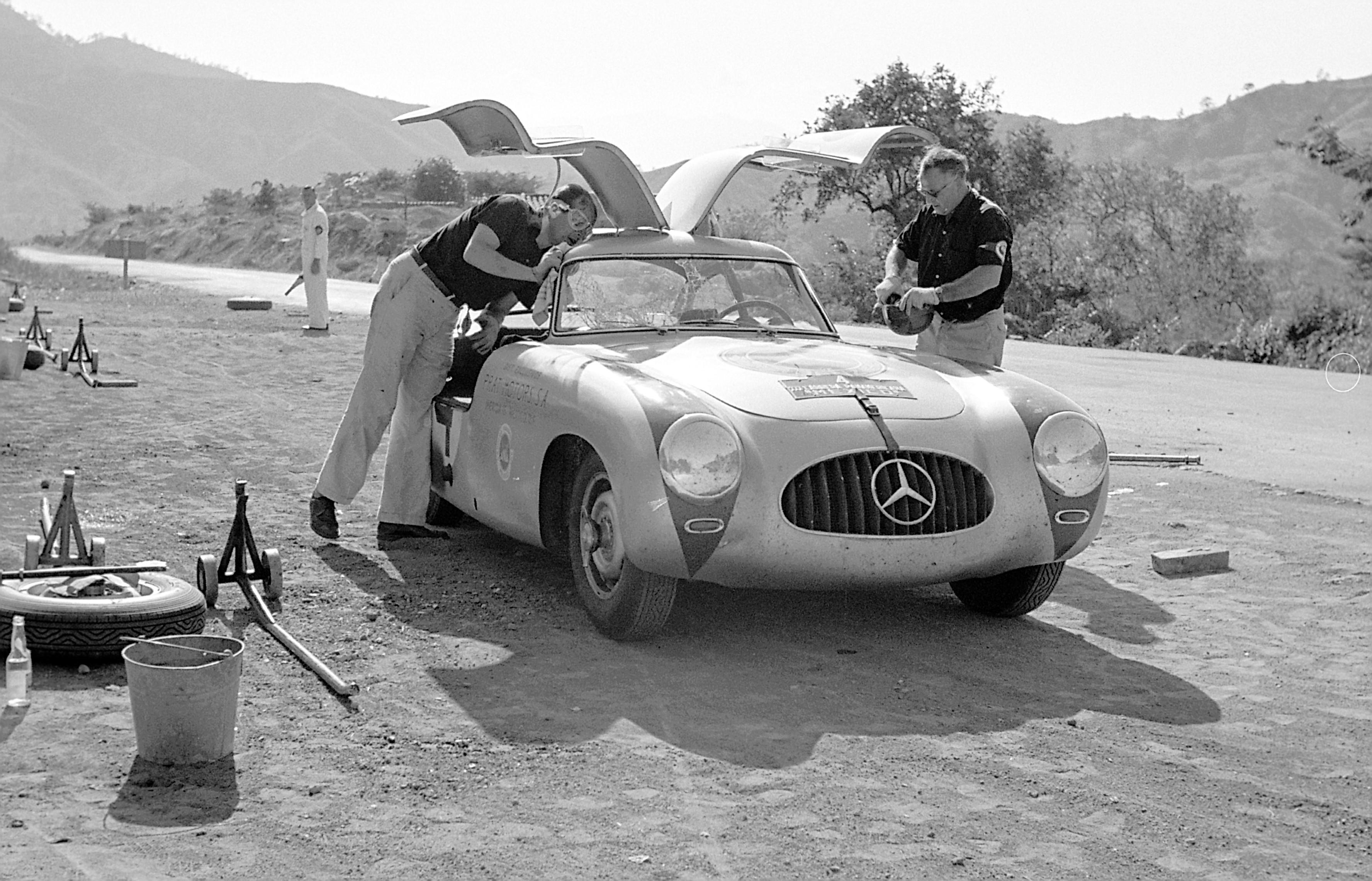 Mercedes-Benz 300SL Karl Kling Hans Klenk Carrera Panamericana 1952
