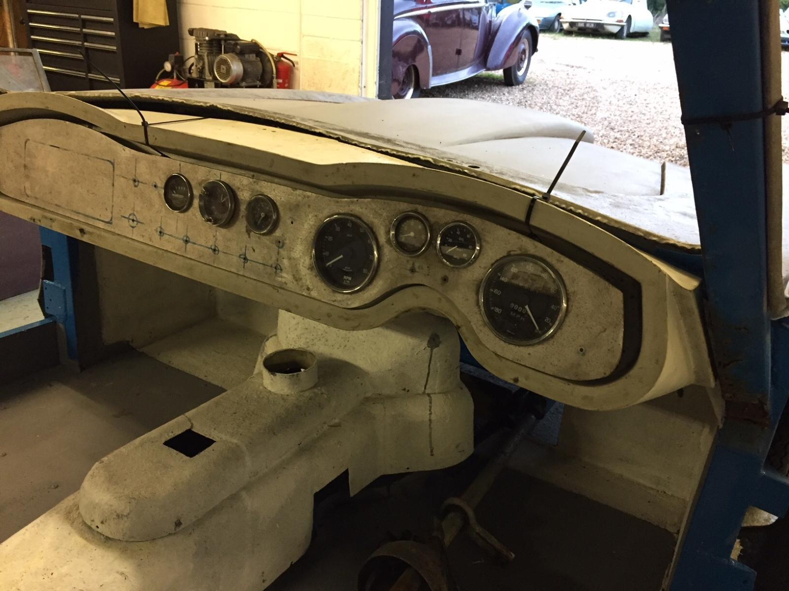 AC Greyhound Project car interior