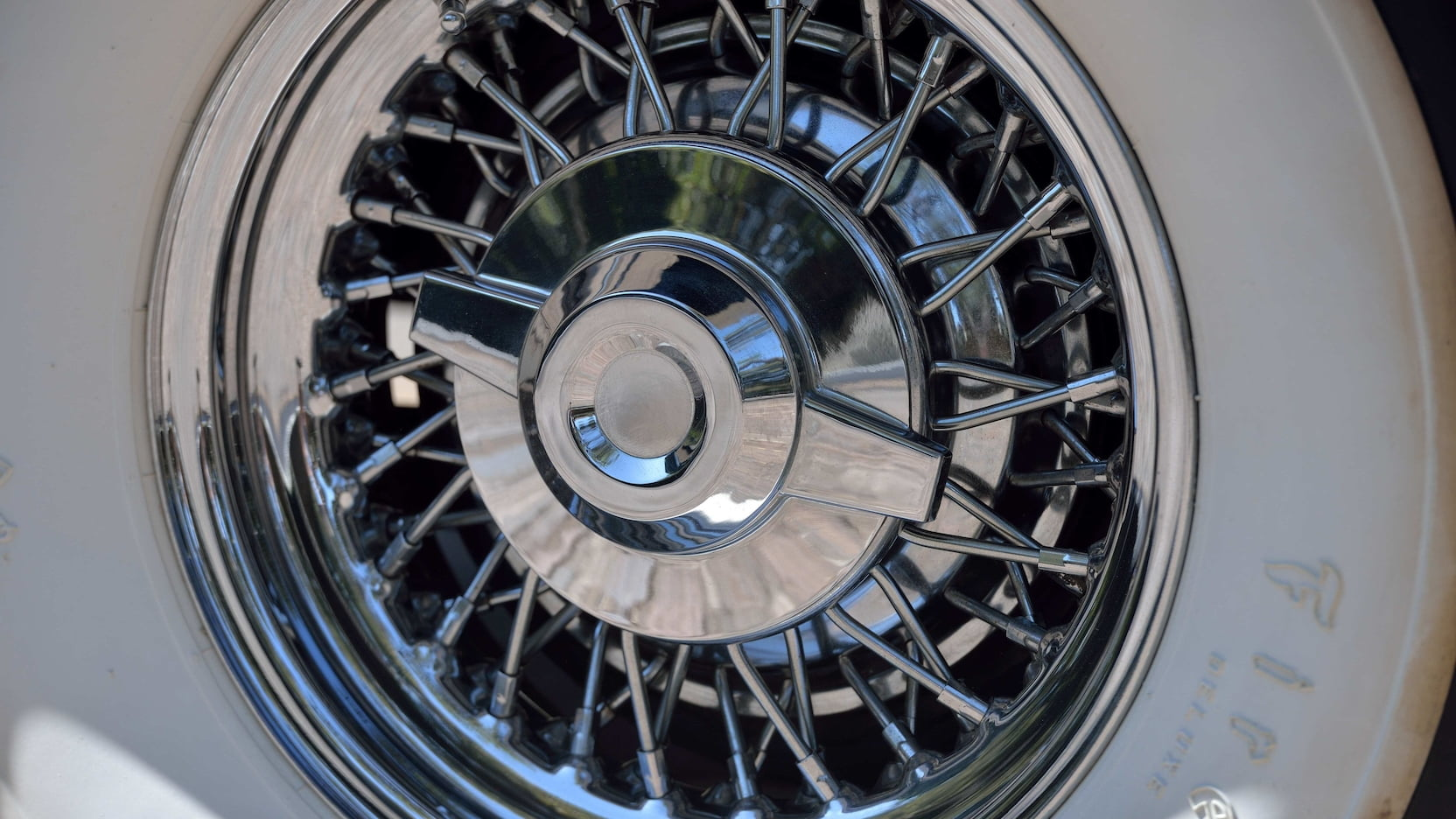 Chrysler C-300 wire wheels spinner caps