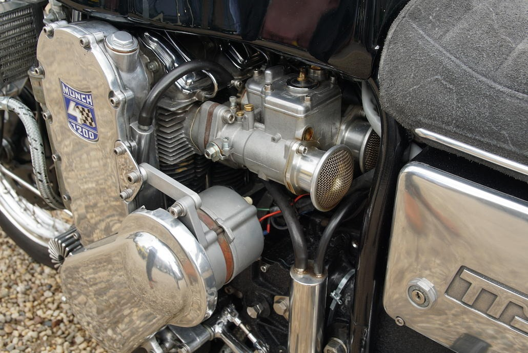 Münch Mammoth 1200 TTS Weber 40DCOE carburetors