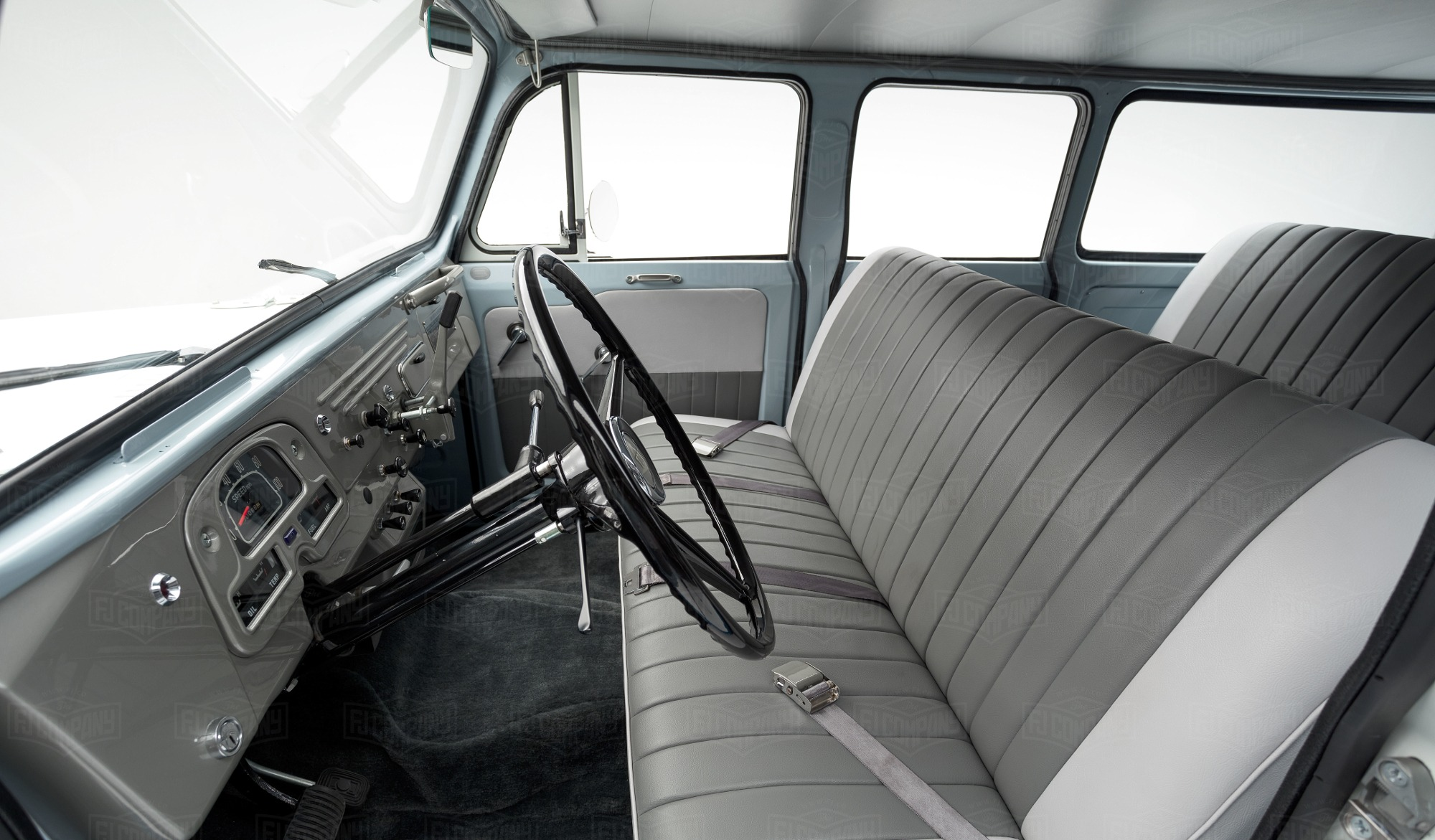 Toyota Land Cruiser FJ45V interior