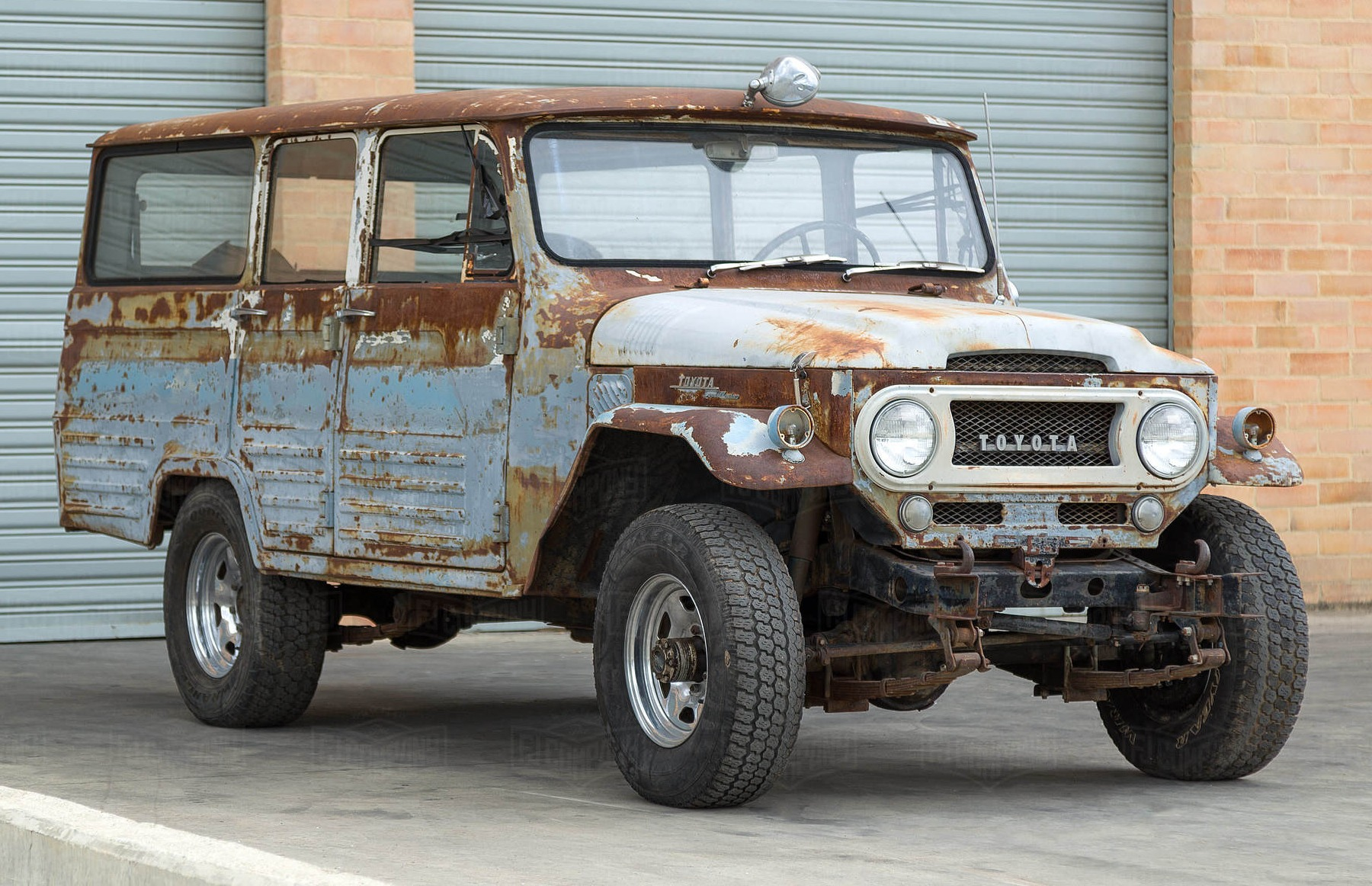 Toyota Land Cruiser FJ45V four wheel drive vehicle