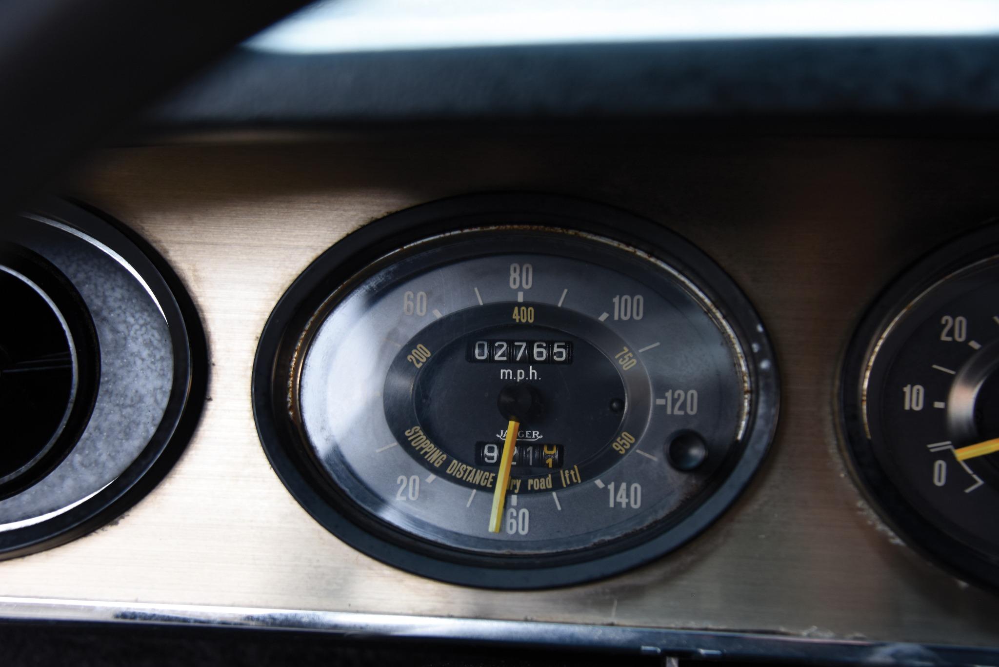 Citroën SM dashboard speedometer
