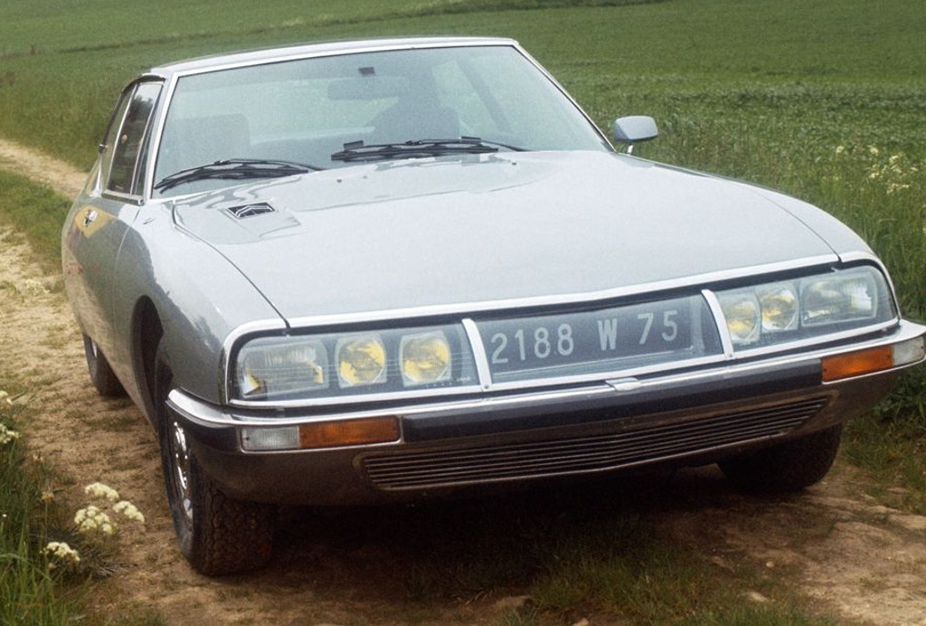 Citroën SM six headlights steering connected